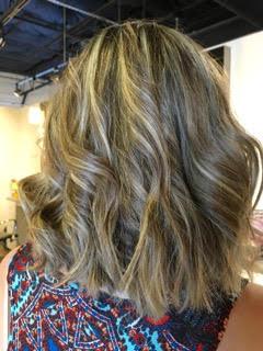 Short wavy hair style